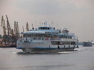 Borodino on Khimki Reservoir 22-jun-2012 02.JPG