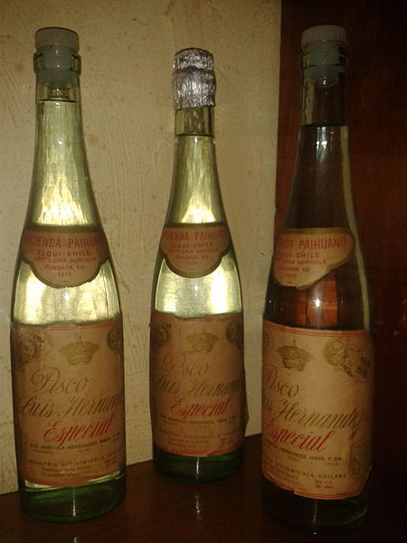 File:Botellas pisco hernandez1.jpg