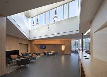 English: Brandeis University Admissions Buildi...