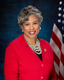 Brenda Lawrence American politician