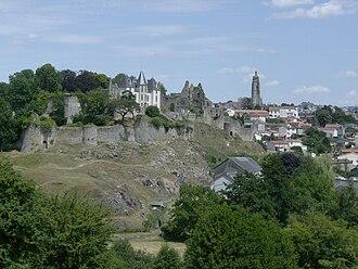 Bressuire - Chateau de Bressuire and the Eglise Notre-Dame