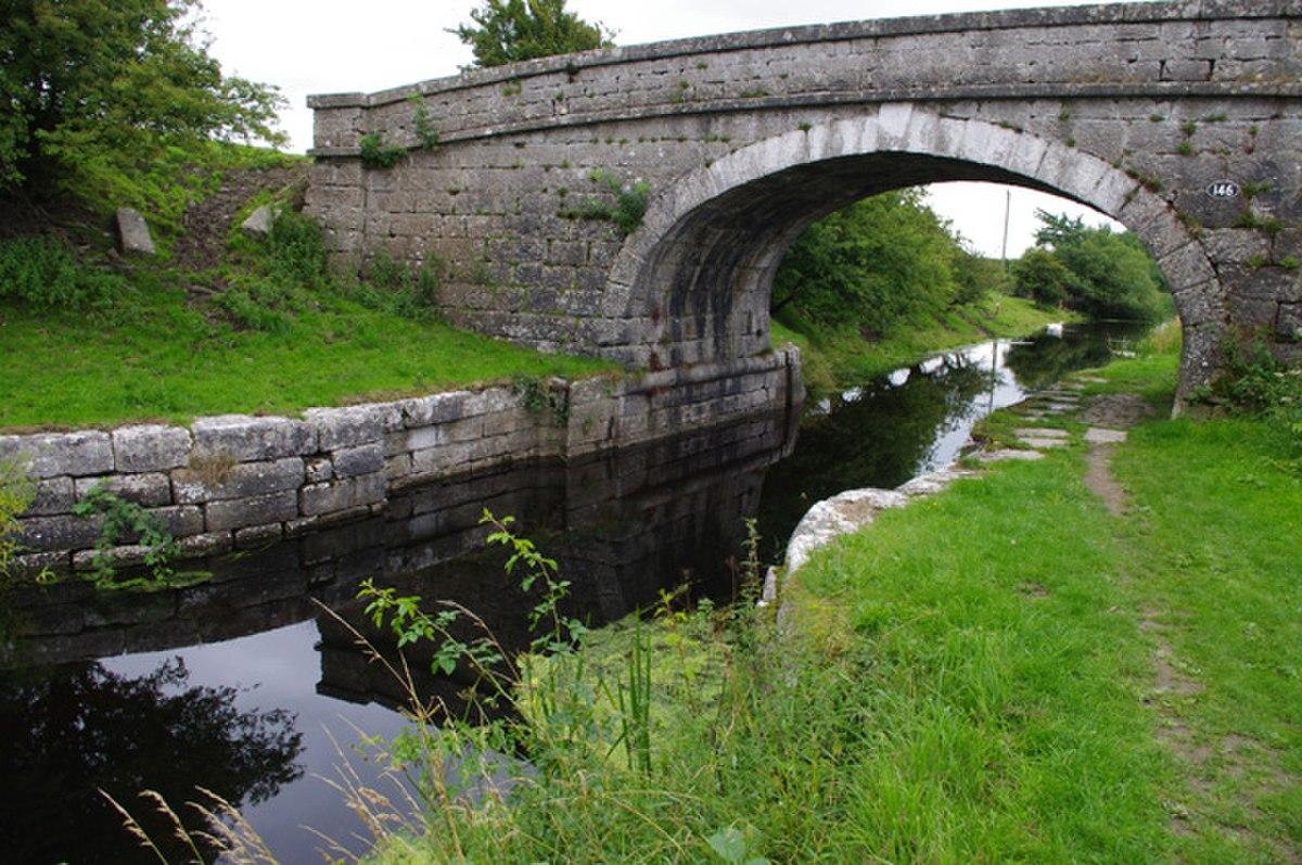 Bridge 146, Lancaster Canal.jpg