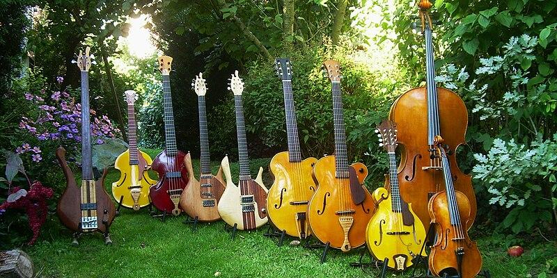 File:Bruce Hernandez Luthier.jpg