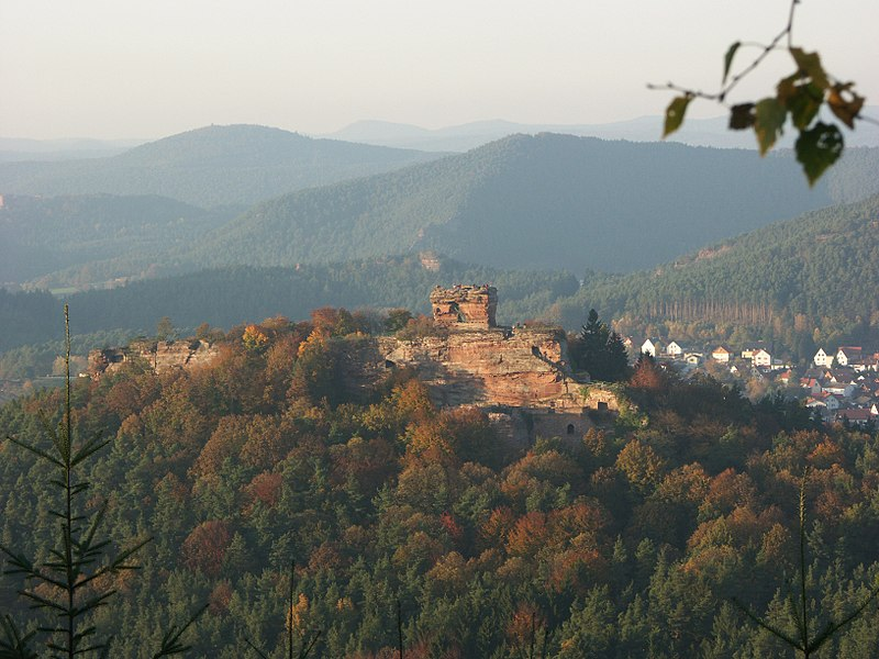 Burg Drachenfels bei Busenberg