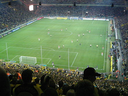 Hannover 96 against Borussia Dortmund in September 2006 Bvb hannover.jpg