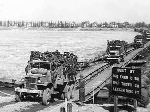 80th Division (United States) - 80th crossing the Rhine near Mainz