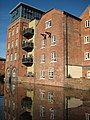 Canal side buildings, Worcester - geograph.org.uk - 924646.jpg