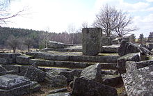 Cars temple Saint-Merd-les-Oussines 2.jpg