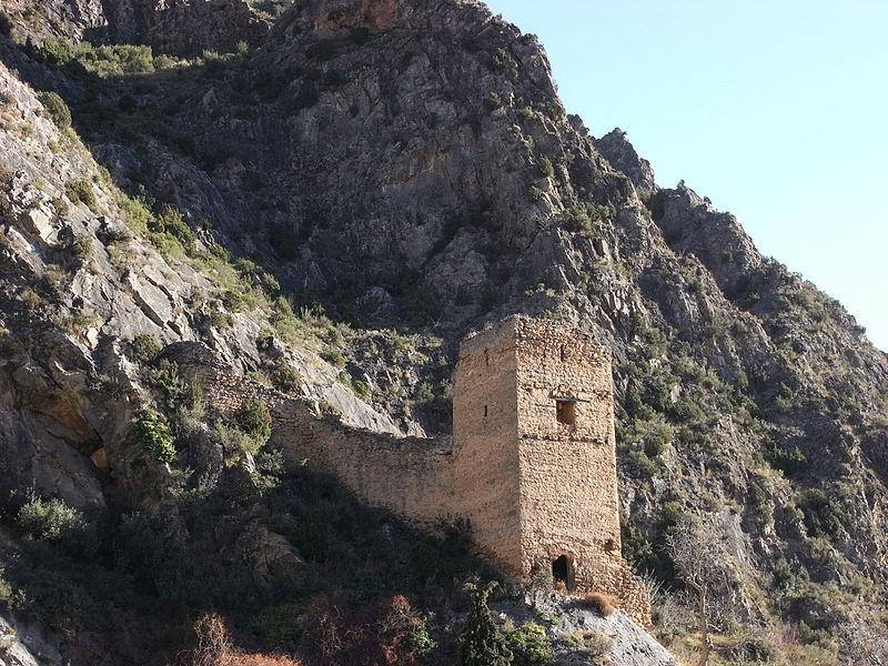 Archivo:Castillo de Arnedillo.jpg