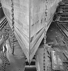 Cecil Beaton Photographs- Tyneside Shipyards, 1943 DB221.jpg