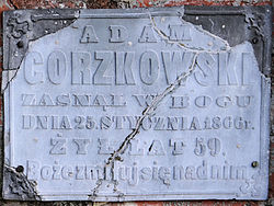 Cemetery in Wisznice (closed) - trihedral tombstone - 03.jpg