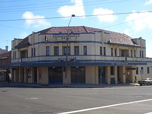 Charing Cross, New South Wales - Charing Cross Hotel, also in the Art Deco style
