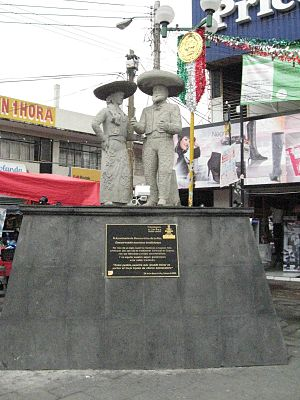 La Paz, State of Mexico - Image: Charro Statue Los Reyes Mexico
