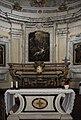 Chiesa di San Lorenzo Martire. Altare Maggiore, realizzato in stucco barocco, si trovano ai lati due dipinti di San Pietro e San Paolo e al centro il martirio di San Lorenzo, opera del pittore Domenico Fiorentini.jpg