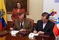 Chile entrega el depósito de Ratificación al Tratado de Unasur (5199659288).jpg