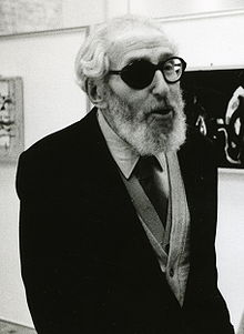 Claude Aveline in an exhibition opening in 1989.