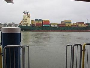Containerschiff auf dem Nord-Ostsee-Kanal.jpg
