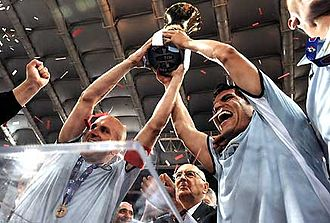 2008–09 Coppa Italia - President Giorgio Napolitano at the center of the photo, after presenting the trophy to Rocchi and Ledesma, welcomes the victory for Lazio after the Cup final in Italy