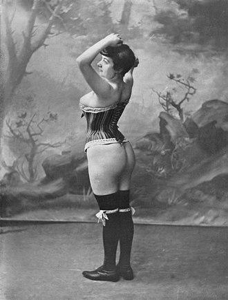 Corset - Image: Corset paris 1902