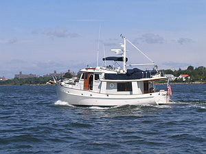 Recreational trawler - Kadey-Krogen 42 foot cruising trawler