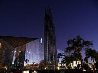 Hour of Power - Image: Crystal Cathedral Avond