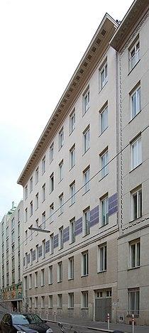 Döblergasse 4 - Außenfassade.jpg