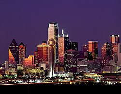 Dallas night skyline.jpg