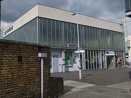 Dartford station building.JPG