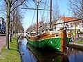 Das Schiff Magaretha im Hauptkanal in Papenburg - panoramio.jpg