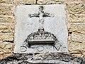 Date au-dessus du portail de l'église de Belvoir (2).jpg