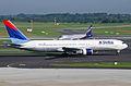 Delta Air Lines Boeing 767-300, N154DL@DUS,04.08.2009-549bs - Flickr - Aero Icarus.jpg