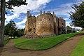 Dirleton Castle alt.jpg
