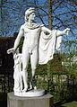 Donndorf - Fantaisie Schlosspark - Gartenskulptur-Apollon (15.04.2007).jpg