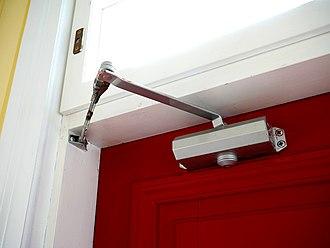 Four-bar linkage - Image: Door closer 20170214