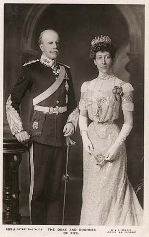 Alexander Duff, 1st Duke of Fife - The Duke of Fife with his wife Louise, Princess Royal, about 1911.