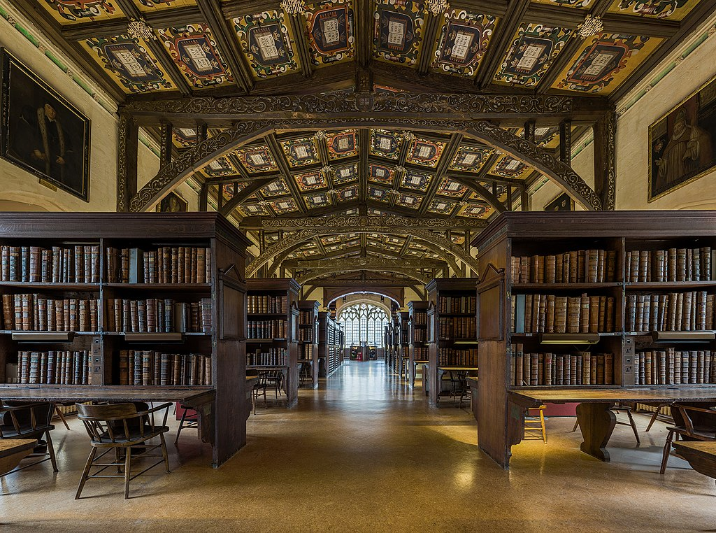 Bibliothèque Duke Humfrey dans la bibliothèque Bodleian à Oxford - Photo by DAVID ILIFF. License: CC-BY-SA 3.0