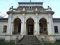 Dvorac Daniel u Konaku - dvorišni portik.jpg