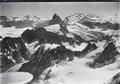 ETH-BIB-Mont Collon, Dent d'Hérens, Matterhorn, Monte Rosa v. W. aus 4300 m-Inlandflüge-LBS MH01-005147.tif