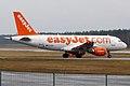 EasyJet, G-EZDJ, Airbus A319-111 (16270822457).jpg