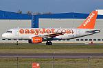EasyJet, G-EZGG, Airbus A319-111 (22205246940).jpg
