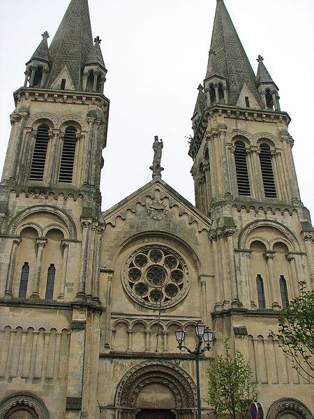 Fichier:Eglise ND du Voeu Cherbourg1.jpg