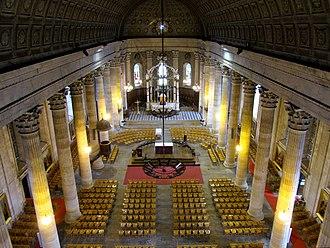 Vendée - Image: Eglise Saint Louis de La Roche sur Yon depuis la tribune haute