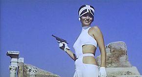 Nel film La decima vittima (1965) di Elio Petri