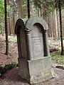 Elten-Denkmal im Deister.jpg