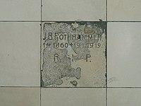 Emmering Kirche St Johann Baptist & Evangelist 050 Epitaph zu Grab unter Neubau.jpg