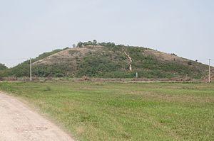 Han Yang Ling - Empress Wang burial mound