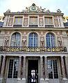 Entrée du château de Versailles.jpg