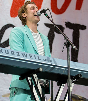 Eric Hutchinson - Hutchinson performing at the Piece by Piece Tour in 2015