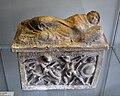 Etruskische Aschenurne, Hetjens-Museum Düsseldorf (DerHexer).JPG