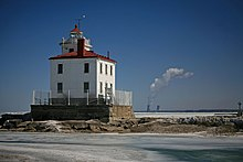 Fairport Harbor Lighthouse.jpg